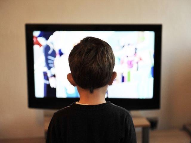 Ce impact are televizorul asupra creativitatii copilului
