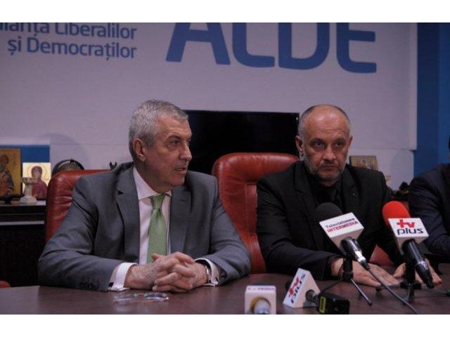 Tariceanu: Iohannis s-a transformat in consultant electoral; nu e in fisa postului