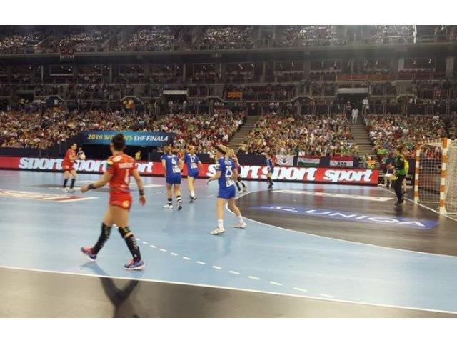CSM Bucuresti s-a calificat in finala Ligii Campionilor de handbal feminin