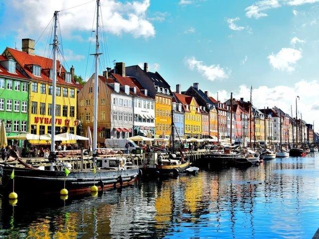 Destinatii pitoresti! Top 15 cele mai colorate orase din lume