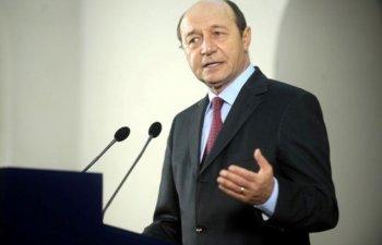 Basescu: Majorarile cerute de cei ce au distrus educatia n-ar trebui luate in considerare