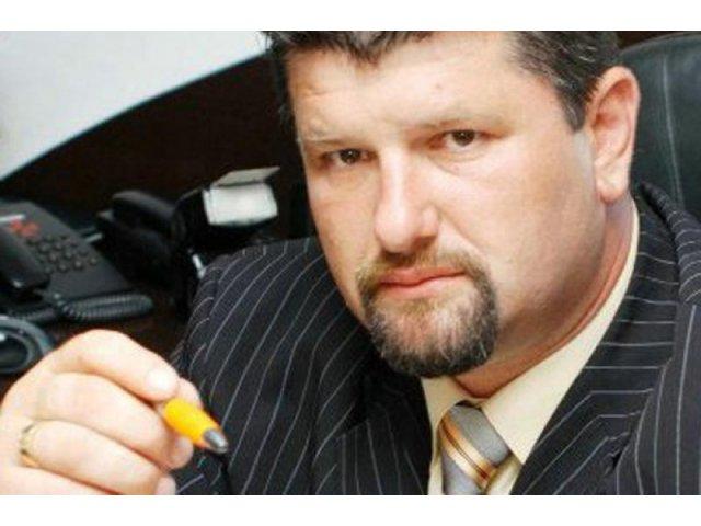 Primarul unei comune argesene, retinut dupa ce a dat 50 de lei pe un vot