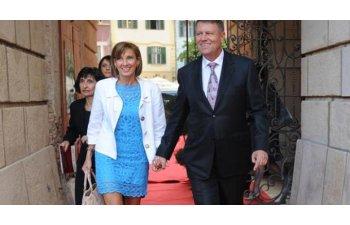Sotia presedintelui Iohannis va alerga pentru sustinerea copiilor nascuti prematur