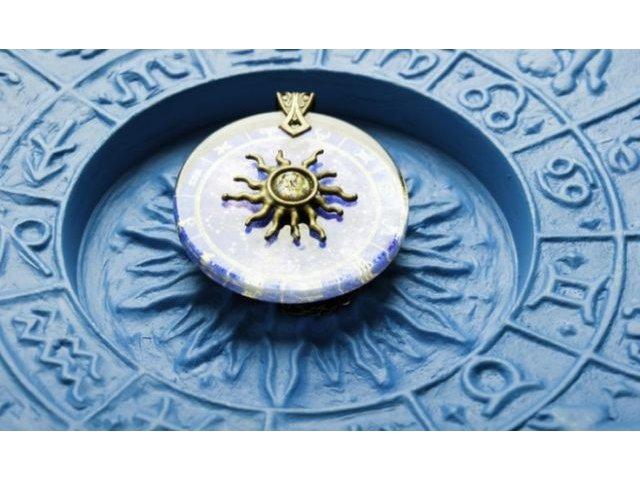 Horoscopul zilei de joi: Taurii cheltuie foarte multi bani