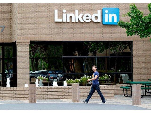 Microsoft preia LinkedIn, intr-o tranzactie de 26,2 miliarde dolari in numerar
