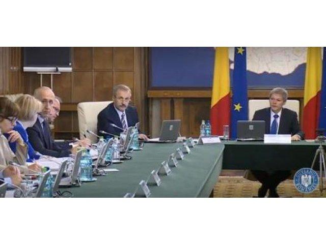 """Ministrii lui Ciolos: """"Acest Guvern a gresit"""""""