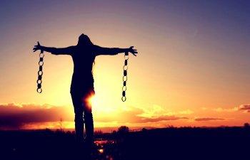 15 lucruri la care ar trebui sa renunti pentru a fi fericit