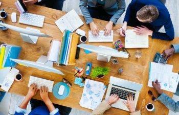 5 schimbari pe piata muncii de care companiile si angajatii ar trebui sa tina cont