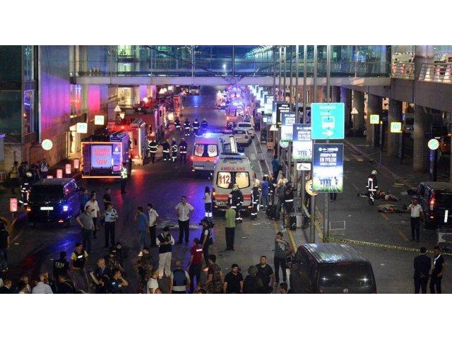 [UPDATE] Atentat TERORIST pe aeroportul Ataturk din Istanbul: cel putin 36 de morti, alti 147 de raniti