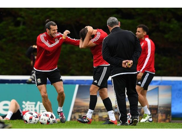 Tara Galilor infrunta Belgia pentru un loc in semifinalele EURO