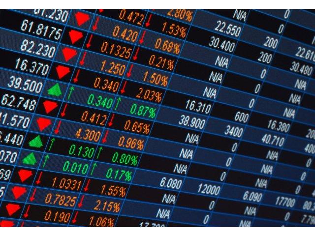 Frica s-a intors pe pietele financiare: Lira, la un nou minim. Investitorii fug spre obligatiuni, ajungand sa plateasca pentru a imprumuta guvernele
