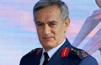 """Fostul comandant al Fortelor aeriene turce, generalul Akin Ozturk, a """"recunoscut"""" ca a planuit lovitura de stat"""