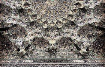 Moscheele din Iran servesc drept marturie a priceperii arhitectilor si artistilor