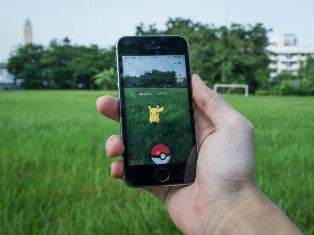 [FOTO] Efectul surprinzator pe care il are Pokemon Go asupra relatiilor