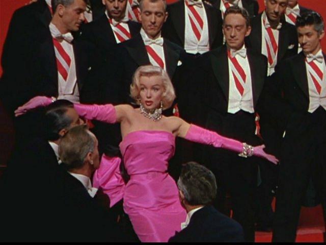 """De ce ar trebui sa nu mai postezi """"citate"""" din Marilyn Monroe pe Facebook"""