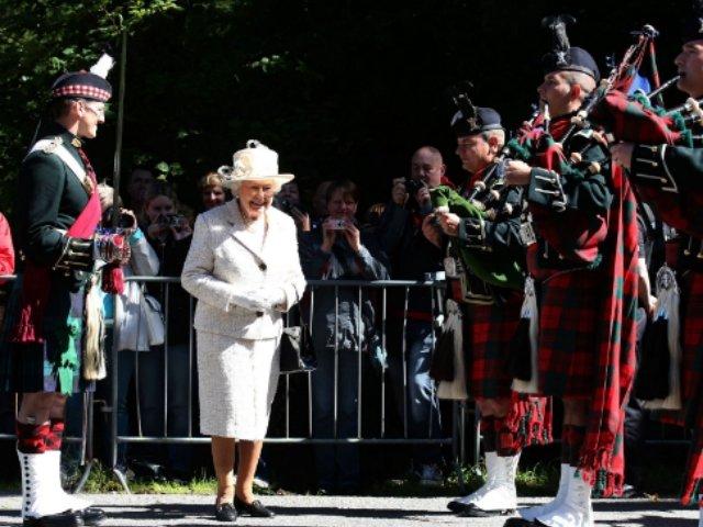 Familia regala britanica lipseste de la funeraliile reginei Ana