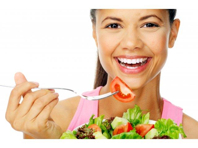 Alimentatia, importanta pentru igiena orala! Ce trebuie sa mancam pentru a avea dinti sanatosi