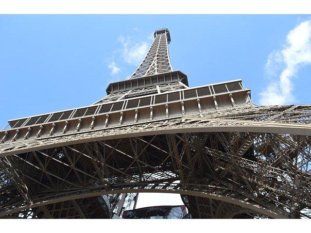 Atacurile teroriste au avut un impact de 750 de milioane de euro asupra turismului din Paris