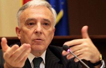 Isarescu: BNR tine rezerva internationala in strainatate pentru ca in tara nu ar avea nicio valoare