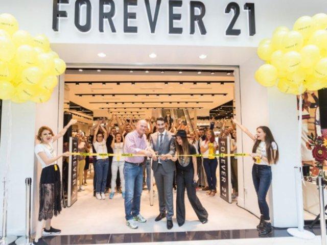 Marea Deschidere a primului magazin Forever 21 a devenit cel mai important eveniment de fashion si distractie al sezonului