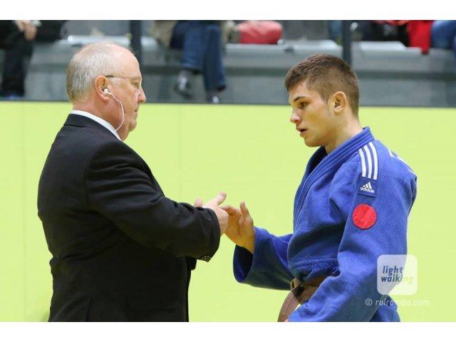 Gianina Andreica, antrenor judo: Alex Bologa m-a invatat sa fac judo cu nevazatori