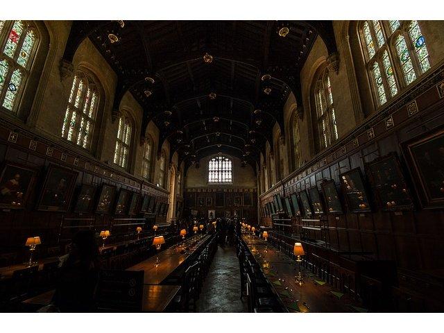 21 de liceeni romani au invatat pentru o saptamana la Oxford