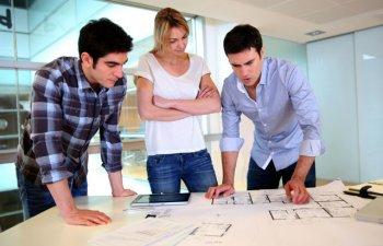 Lupta antreprenorilor pentru a debloca resurse pentru afacerile lor. Ce strategii au descoperit