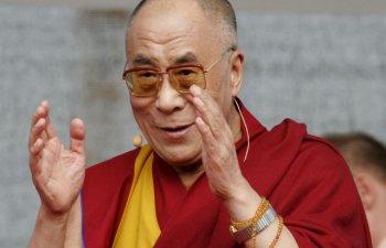 [VIDEO] Trebuie sa il vezi pe Dalai Lama imitandu-l pe Donald Trump