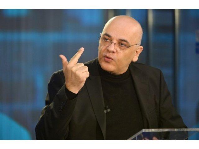 Arafat ii raspunde lui Valentin Mircea: Nu il inteleg. Trebuie sa vezi ca am esuat in interventie, dar aici nu a fost