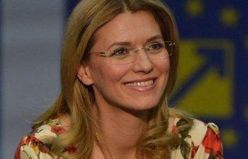 Gorghiu, atac la adresa Gabrielei Firea: Ce naste din Iliescu, comunism respira