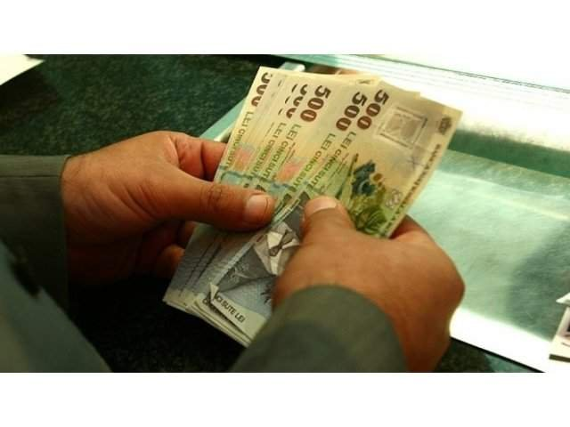 Legea care permite plata retroactiva a cotizatiilor pentru pensii pentru 5 ani, promulgata de Iohannis