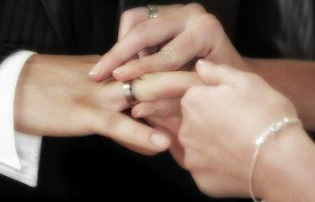 De ce fug barbatii de casatorie? 7 motive serioase care-i fac sa ramana burlaci