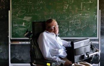 Stephen Hawking avertizeaza ca rasa umana este in pericol de disparitie