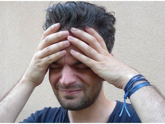 Uita de durerile severe de cap! Obiceiuri alimentare care te scapa de migrene