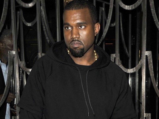[VIDEO] Kanye West a fost dus la spital dupa ce a parasit subit si nervos scena