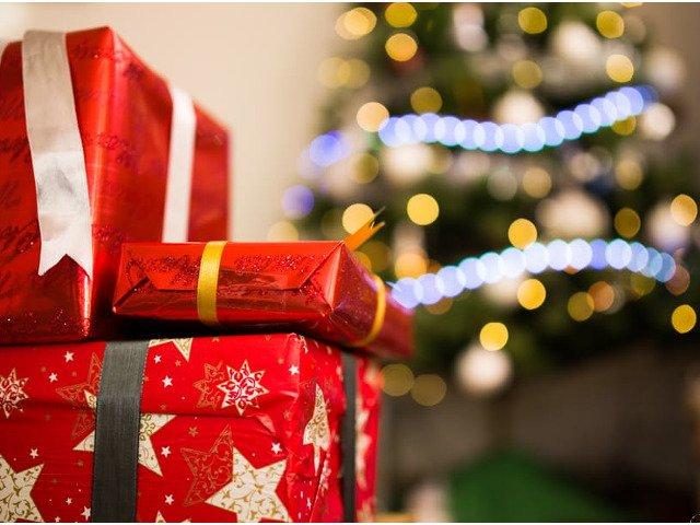 Cadouri IDEALE de Craciun pentru persoanele dragi