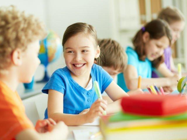 Ordin ministrul Educatiei: Teme de maximum doua ore, niciodata in vacanta, in invatamantul primar si gimnazial