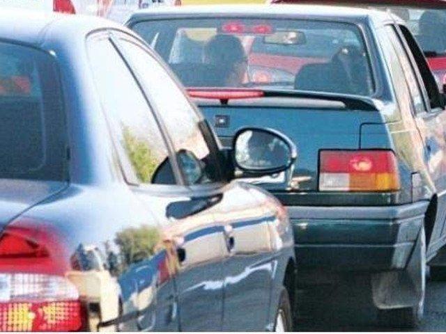 In ce conditii vor putea fi ridicate masinile parcate neregulamentar