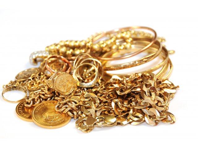 Jaf la un magazin de bijuterii din Timisoara; hotii au furat un seif in care erau bijuterii din aur si bani