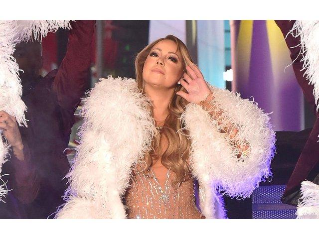 [VIDEO] Mariah Carey se plange ca a fost sabotata, dupa ce s-a facut de ras in Times Square