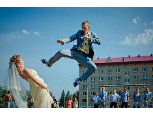 V-ati saturat de pozele clasice de la nunti? Acestea s-ar putea sa va placa
