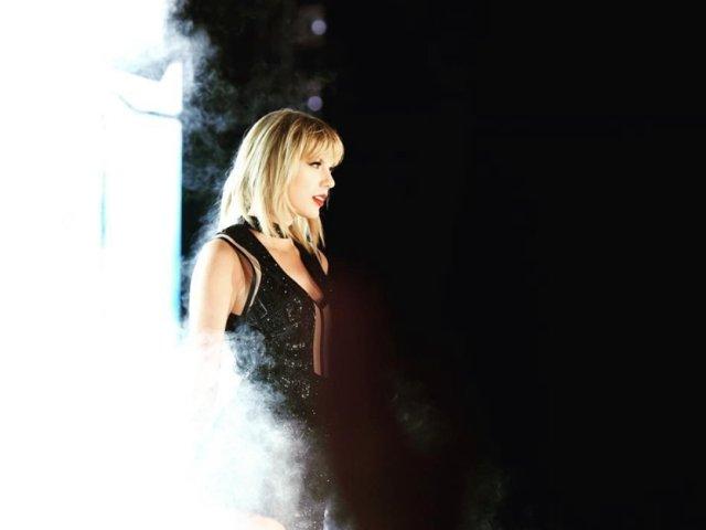 Din secretele artistei Taylor Swift: La ce trucuri apeleaza pentru a arata impecabil