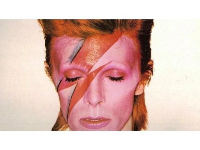 David Bowie a aflat ca sufera de cancer terminal, cu 3 luni inainte sa moara