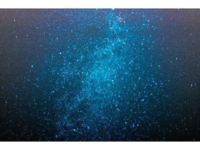 Fenomen astrologic fascinant: doua stele se vor ciocni