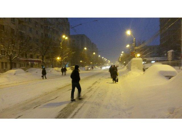 Imaginile zilei. Cu schiurile si placa prin Bucuresti