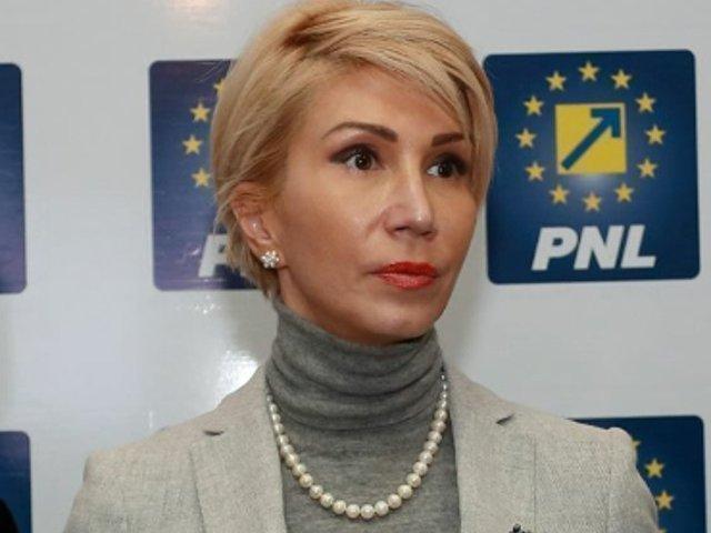 Raluca Turcan: Guvernul trebuie sa retraga cele doua OUG, iar ministrul Justitiei sa demisioneze