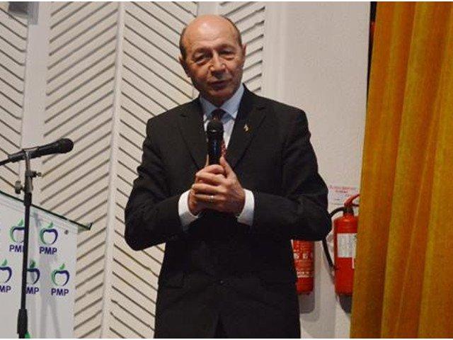 """Traian Basescu: """"Este tipul de batalie care poate ruina statul"""""""