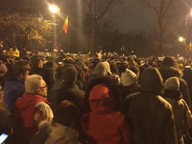 Sute de romani au protestat si in Diaspora fata de situatia din tara