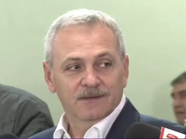 Reactia lui Dragnea, cand politicienii din PSD au parasit sala, in timpul discursului lui Iohannis