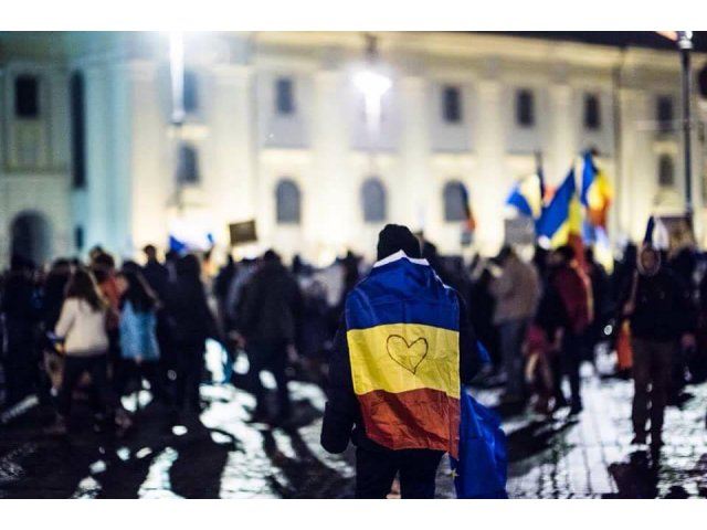Protestul din Piata Victoriei s-a incheiat dupa cinci ore. A unsprezecea zi de proteste a scos in strada peste 6.000 de manifestanti